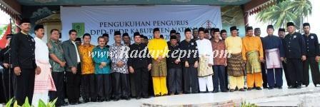 Pengurus PKDP Natuna foto bersama dengan rombongan Bupati Paraman