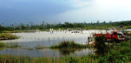 Aktifitas tambang pasir darat ilegal di desa Kalang Batang, Kabupaten Bintan yang tak mampu dihentikan Ansar Ahmad SE MM.