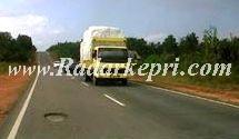 Truk over kapasitas yang lolos dari aparat penegak hukum di Bintan. (foto by irfan, radarkepri.com)0