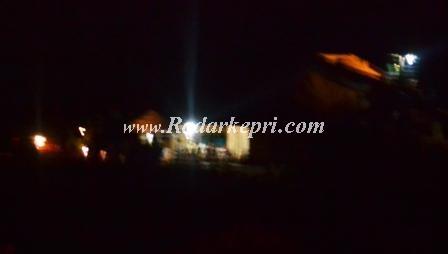 Aktifitas tambang bauksit di Sei Enam, Bintan Timur, Kabupaten Bintan.