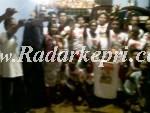 Tim pemenangan Jamer Purba foto bersama dengan masyarakat teluk setimbul Meral