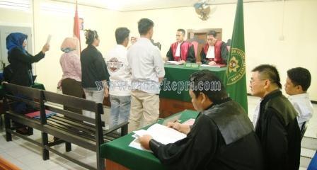 Saksi dari Kejagung dan BNN disumpah sebelum memberikan keterangan untuk terdakwa Lukman SH.