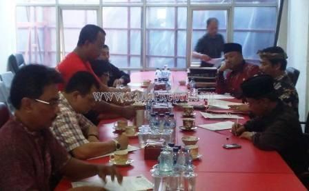Rapat pengurus DPD PDI-P Kepri di Jl DI Pandjaitan, kilometer 7 Tanjungpinang.
