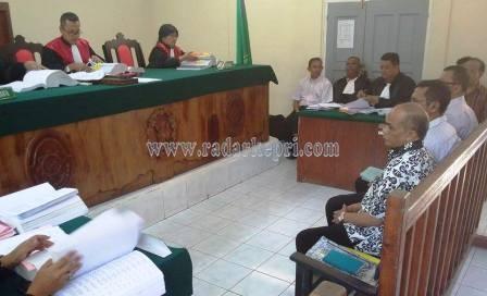 Sekda Natuna, Syamsuizon ketika jadi saksi untuk terdakwa Harmain di pengadilan Tipikor pada PN Tanjungpinang.