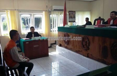 Syahrul ketika didengarkan keterangannya sebagai terdakwa penadahan di PN Tanjungpinang.