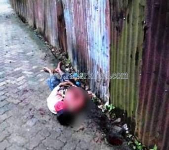 Jenazah Rinto Satbim yang ditemukan tewas di Jl Anggrek Merah, Gang Putri Ayu 1, Tanjungpinang, Minggu (24/05).