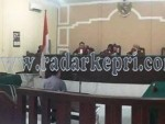 Mantan Dirut Perusda Karimun, Usmantono dihukum 7 tahun 3 bulan karena korupsi Rp 1,4 Miliar, Jumat (25/09) di Pengadilan Tipikor pada PN Tanjungpinang.