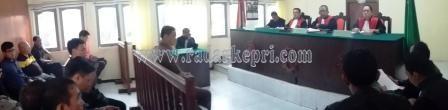 Sidang Anton dengan agenda eksepsi dar tim penasehat hukumnya, Rabu (30/09).