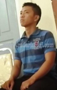 Bripda Bobi ketika disidangkan di PN Tanjungpinang.