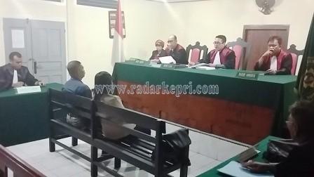 Cholderia Sitinjak divonis 8 bulan penjara oleh majelis hakim PN Tanjungpinang, Selasa (10/11).