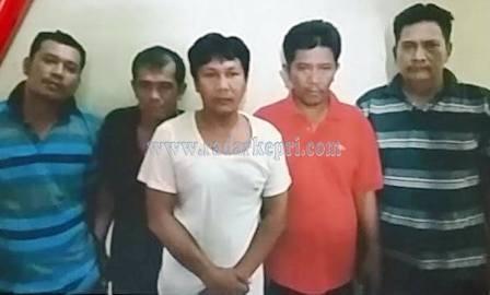 Lima tersangka pencurian dengan pemberatan yang segera disidangkan di PN Tanjungpinang.