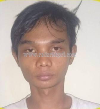 Rico, pelaku penganiyaan yang ditangkap Polsek Tanjungpinang Barat.