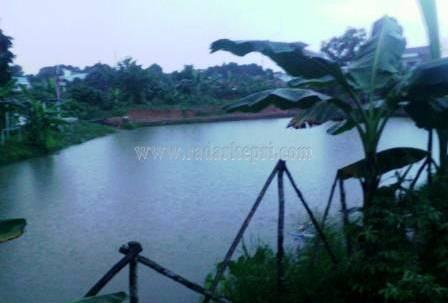 Kolam penampungan yang berubah menjadi kolam pemancingan komersil.