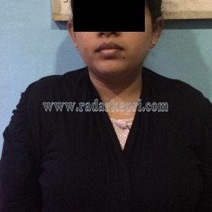 Tersangka YS, istri tersangka Ed yang ditangkap di Batam karena menyimpan 1 kilogram Sabu.