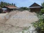 Tumpukan pasir darat yang ditambang secara ilegal di pulau Kundur.