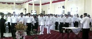 Suasana pelantikan sekitar 600 orang pejabat dilingkungan Pemkab Natuna, Jumat (30/12).